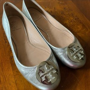 Silver Tory Burch Flats Size 7 1/2 M